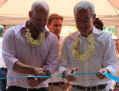 Christopher Gygès et Jean-Pierre Clamadieu lors de l'inauguration de l'unité de stockage du projet « Lifou 100 % énergies renouvelables 2020 ».