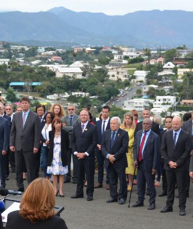 Une cérémonie organisée par la province Sud et la mairie de Nouméa s'est tenue à 16 heures, à la Croix de Lorraine.