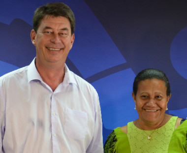 Le président du gouvernement Thierry Santa et la membre en charge de la santé Valentine Eurisouké.