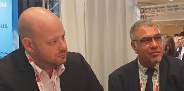 Christopher Gygès s'est entretenu avec le délégué général du GICAN François Lambert, au sujet du chantier des sous-marins français en Australie et des débouchés qu'il pourrait offrir aux entreprises maritimes calédoniennes (©Emma Colombin, CMNC).