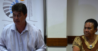 Le président Santa et la membre du gouvernement Valentine Eurisouké ont présenté les mesures prises pour la sauvegarde du Ruamm le 11 février.