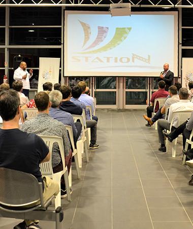 Christopher Gygès et Vaimu'a Muliava ont animé le Grand débat du numérique devant un panel d'acteurs de l'industrie.