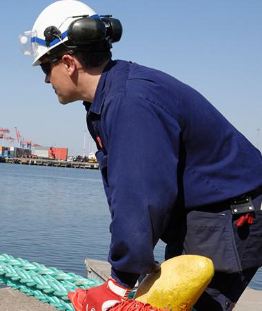 Les accidents du travail dans les activités portuaires calédoniennes ont donné lieu à plus de 9 000 journées d'arrêt de travail entre 2017 et 2019.