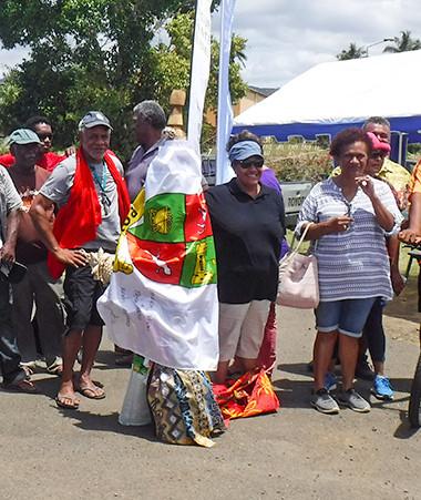 Le parcours santé Do Kamo s'est achevé le 28 novembre à Poya en présence de Valentine Eurisouké et Jean-Pierre Djaïwé. La commune a gardé la sculpture en souvenir.
