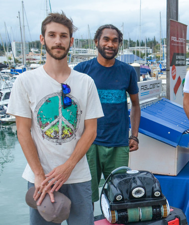 Thierry Santa, Vaimu'a Muliava et Christopher Gygès ont rencontré les entreprises Aedes System et Eco-boat.