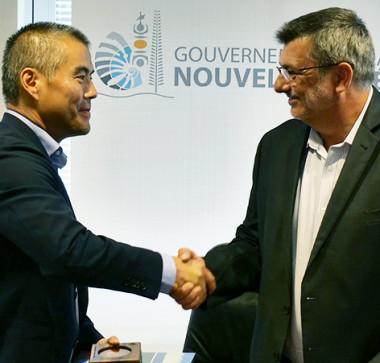 Richard Jeo, vice-président de Conservation International, et Philippe Germain, président du gouvernement.
