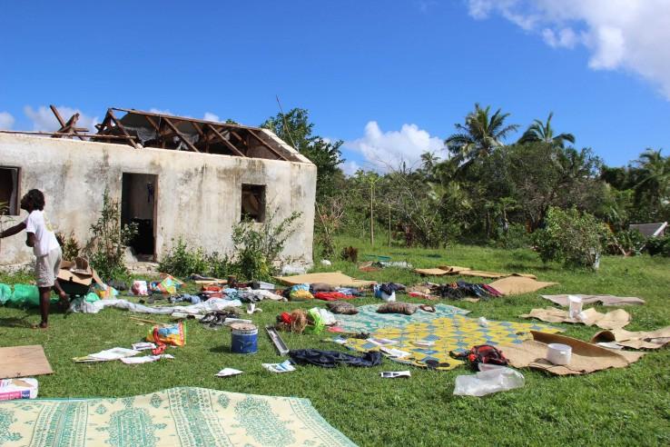 Plus d'une centaine d'habitations ont été détruites ou sévèrement endommagées à Lifou, leurs toitures tout spécialement.