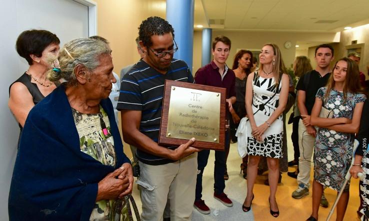 inLe CRNC a été baptisé « Éliane Ixeco », en hommage à cette élue emportée par le cancer et qui avait toujours défendu l'idée de doter la Nouvelle-Calédonie d'un tel centre.