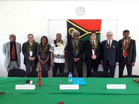 La cérémonie a réuni à Port-Vila les partenaires du Vanuatu venus de France, de Nouvelle-Calédonie, de Nouvelle-Zélande et de Malaisie.