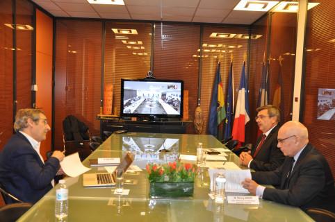 La première réunion s'est déroulée en visio-conférence avec Paris où se trouvaient Philippe Germain, Thierry Lataste et Gilles Bœuf.