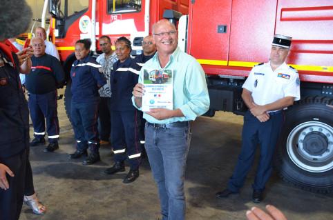 C'est un superbe cadeau que la Nouvelle-Calédonie et l'État nous offrent. Tout ce matériel est nécessaire pour sauver des vies, des biens et l'exceptionnelle biodiversité du Grand sud », a insisté Eddie Lecourieux, maire du Mont-Dore.