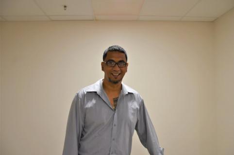 Alexandre Kelly, responsable équipe et assistant hygiène, santé et environnement (HSE) à la Mairie de Nouméa.