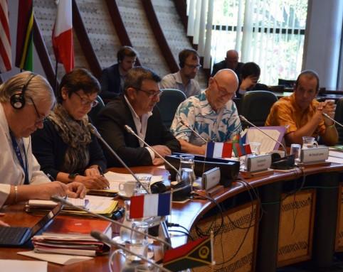 Philippe Germain entouré d'Annick Girardin et de Pascal Lamy, de la Commission européenne.