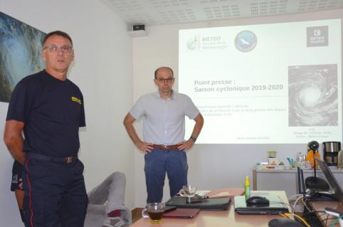 Danilo Guépy, directeur de la DSCGR et Hugues Ravenel, directeur de Météo France Nouvelle-Calédonie.