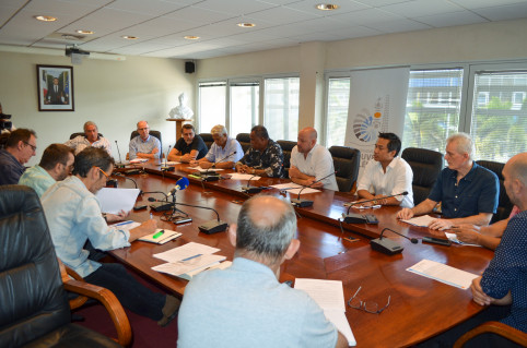 CCI, CMA, Medef, CPME, U2P, FINC et SIDNC étaient représentés autour de la table.