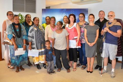 Des employées du GIP UPH, dont Jeannette Issamatro (3e à gauche), et le directeur Jean-Philippe Vollmer (2e à droite), ont été reçus par Isabelle Champmoreau, membre du gouvernement en charge du handicap, le 13 juillet 2016.