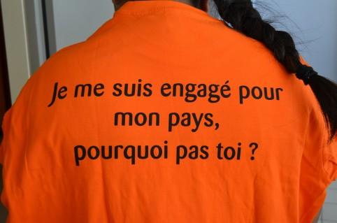 Le tee-shirt offert aux auxiliaires par le gouvernement.