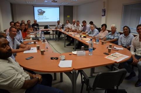 Jean Todt avec les membres du conseil permanent de la sécurité routière le 11 mars.