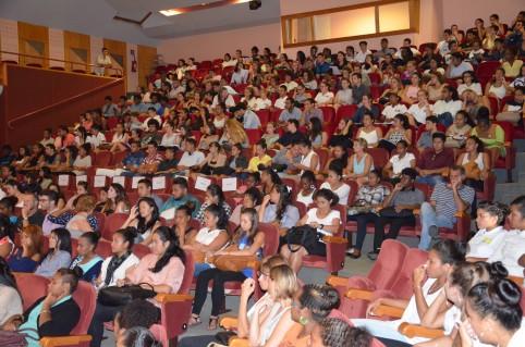 Environ 350 étudiants en BTS du Lapérouse ont participé à la table ronde.