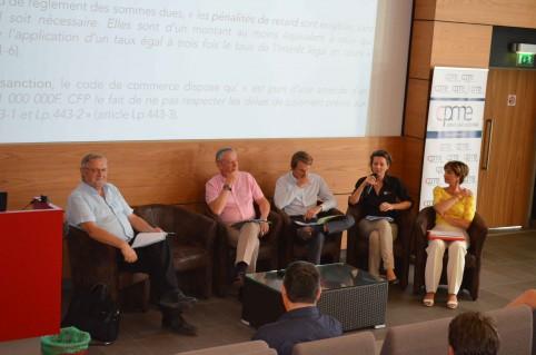 Le secrétaire général du gouvernement Alain Marc (au centre), avec, à sa gauche, le directeur de la DAPM Camille Kupisz et la directrice de la DAE Audrey Oudart.