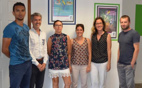 L'équipe de l'ASS autour du Dr Dominique Mégraoua (chemise blanche).