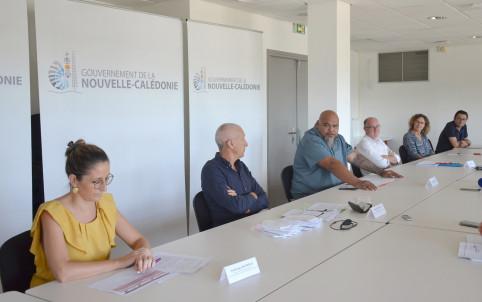 Vaimu'a Muliava, entouré des directions et des partenaires : FINC, CMA et CCI.