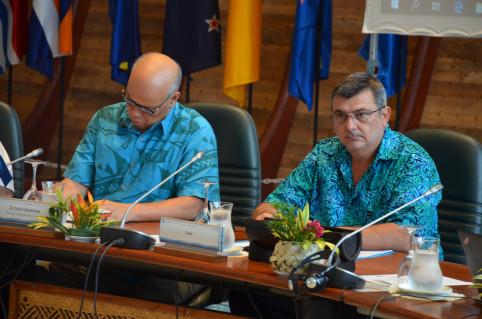 Colin Tukuitonga et Philippe Germain, directeur général et président sortants.