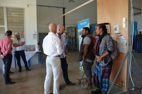 Christopher Gygès s'est entretenu avec des alternants du centre de formation de l'artisanat (CFA).