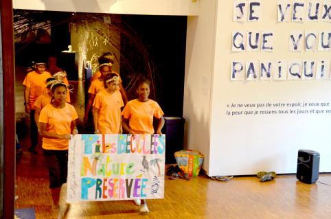 Parmi les projets du collège de Païamboué : une saynète sur la protection de l'environnement.