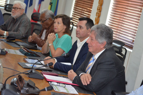Le président du CESE, Daniel Cornaille, et son équipe.