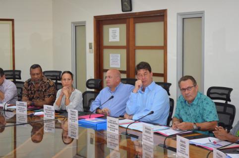 Les membres du gouvernement se sont montrés très attentifs aux propos des présidents de commission.