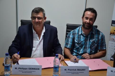 Philippe Germain et Pierrick Maury signent le renouvellement de la convention par laquelle le gouvernement apporte un concours financier à NCTI.