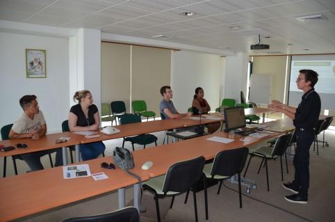 Un atelier sur la gestion du temps était proposé spécifiquement à l'intention des managers.