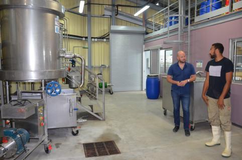 L'usine pilote de traitement des déchets de poisson, portée par la province des Îles et mise en œuvre par l'Adecal Technopole.