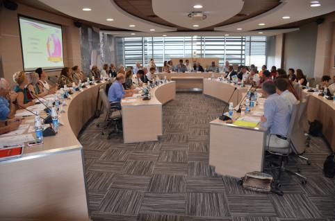 La salle du conseil municipal de Dumbéa a accueilli le premier comité de suivi du Grenelle contre les violences conjugales.