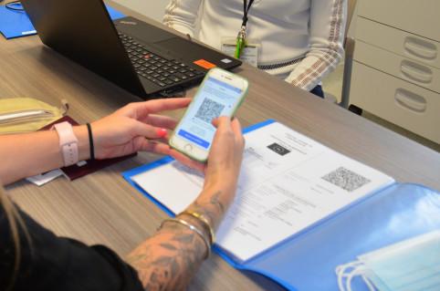 L'application TousAntiCovid fait office de carnet virtuel pour conserver ses certificats de vaccination, de test PCR ou de rétablissement au Covid-19.
