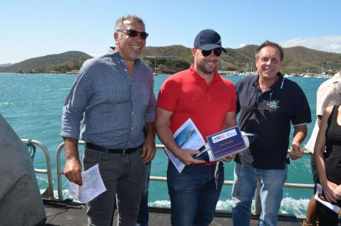 À défaut de poser la première pierre du projet, Christopher Gygès a reçu la première bouée de Port Numbo.