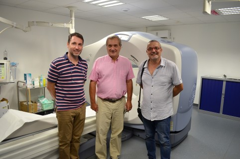 Le directeur de la DASS, Jean-Alain Course (à d.), a visité l'hôpital de Sia aux côtés des directeur et directeur adjoint de l'Agence de santé de Wallis-et-Futuna.