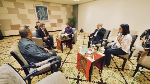 Autres bilatérales, ouvrant des perspectives de partenariat, celles avec les ministres indonésiennes de la Pêche, Susi Pudjiastuti (photo), et des Affaires étrangères, Retno Marsudi. La première a confirmé la volonté de son pays de lutter auprès de la Nou