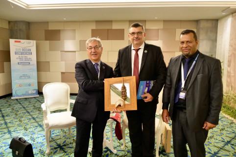 Le commissaire européen Karmenu Vella, en charge entre autres de l'environnement, a affirmé sa volonté d'ouvrir les grands programmes européens à la Nouvelle-Calédonie, notamment en faveur de son action pour la coopération avec les territoires du Pacifiqu