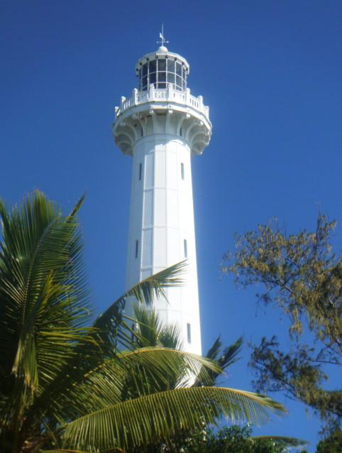 La Nouvelle-Calédonie compte 380 établissements de signalisation maritime (balises, bouées et phares comme ici, le phare Amédée) dont 177 actifs (avec feux).