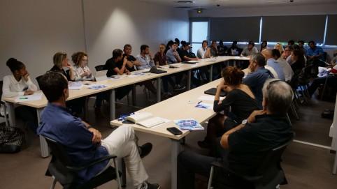 La table-ronde sur le développement des loisirs et des sports nautiques, vecteurs d'innovation et de croissance.