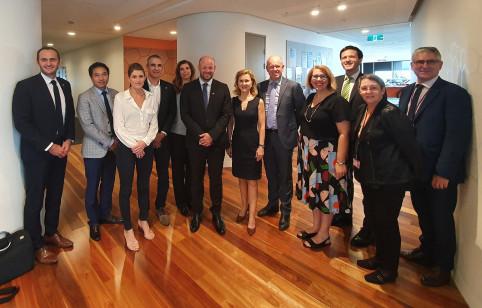 La délégation a été reçue au gouvernement de l'État du Queensland.