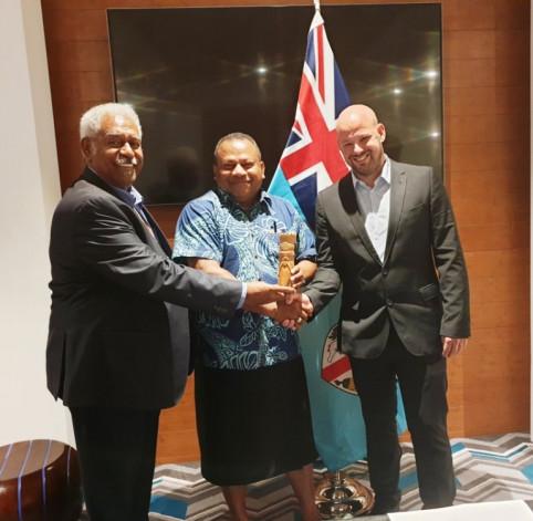 Rencontre de Christopher Gygès et du président du Congrès Roch Wamytan avec Inia Seruiratu, ministre fidjien des Affaires étrangères.