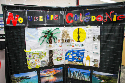 L'affiche sur la Nouvelle-Calédonie réalisée par des élèves du lycée franco-australien Telopea School Park.