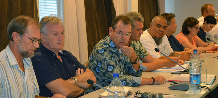 En présence de la Davar et de la Dass, la réunion était conduite par Pierre Gey, directeur de cabinet du président du gouvernement.