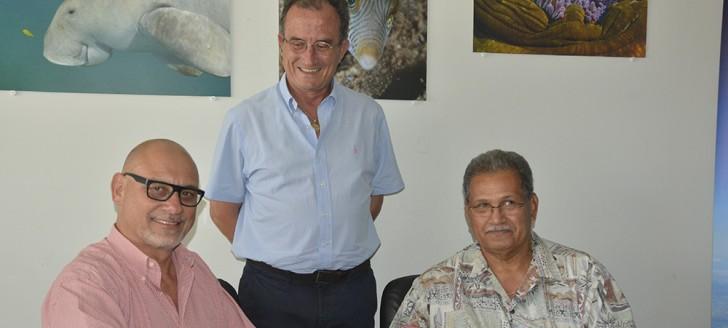 Didier Tappero, DG d'Aircalin, Bernard Deladrière, président de son conseil d'administration et Joseph Laloyer, DG d'Air Vanuatu.