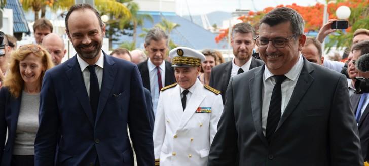 Édouard Philippe a entamé sa tournée des institutions calédoniennes par le gouvernement.