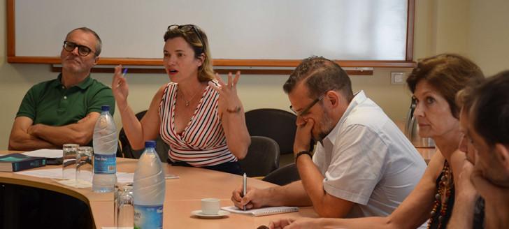 Lionel Bauvalet (à gauche) et Cynthia Jan ont réuni les acteurs du livre et de la presse au gouvernement, jeudi 20 décembre.