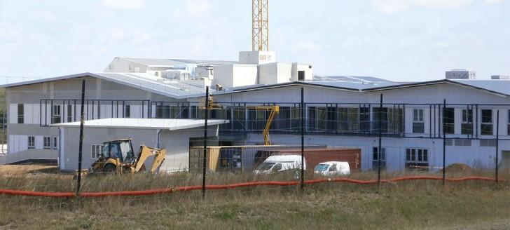 Parmi les chantiers en cours en province Nord, celui du centre hospitalier fait travailler des entreprises locales.